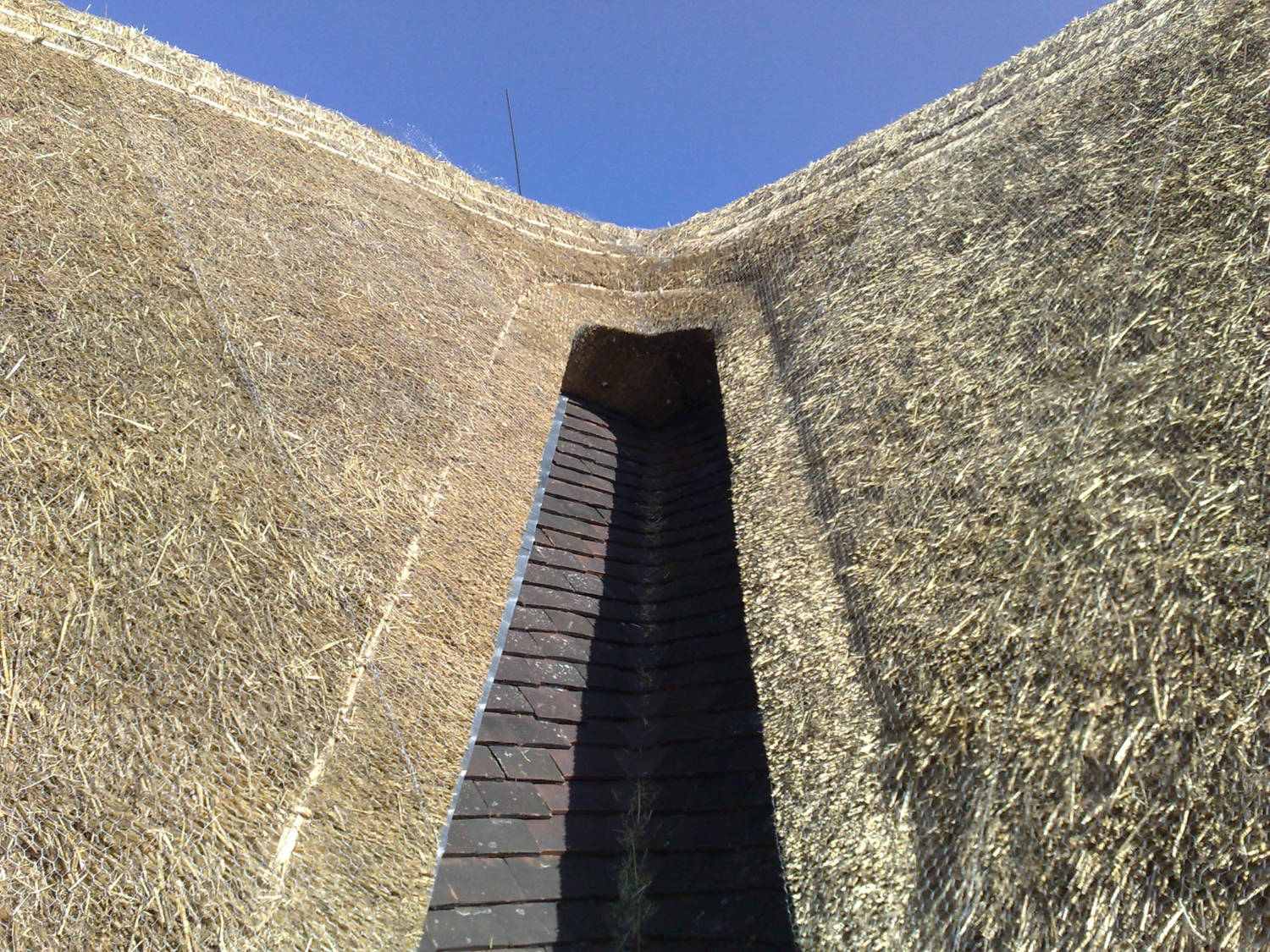 Thatched_Roof_Canterbury_1