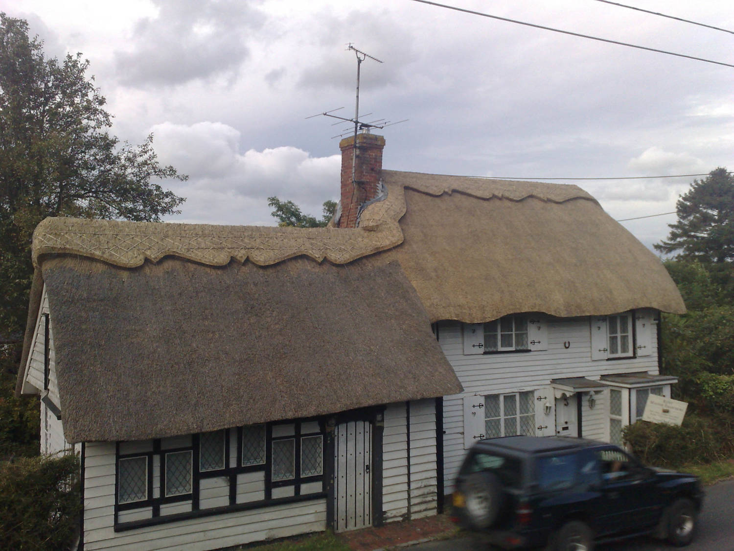 Thatched_Roof_Sussex